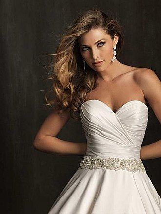 Allure 9065 Wedding Dress
