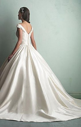 Allure 9155 Wedding Dress