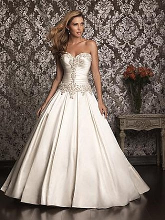 Allure 9003 Wedding Dress
